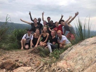 Tijdens vrijwilligerswerk in het buitenland maak je internationale vrienden